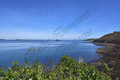 TEXT_PHOTO 3 - A breathtaking sea view with direct sea access for sale Paimpol Cotes d'Armor